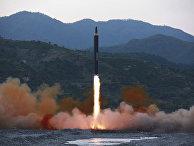 Запуск баллистической ракеты «Хвасонг-12» в Северной Корее