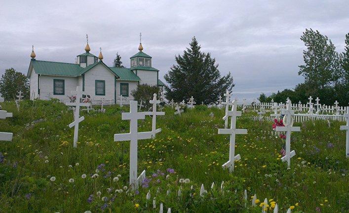 Церковь Преображения Господня и сельское кладбище в дер. Нинильчик