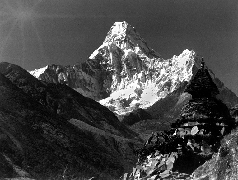 Вид на Эверест со стороны Непала