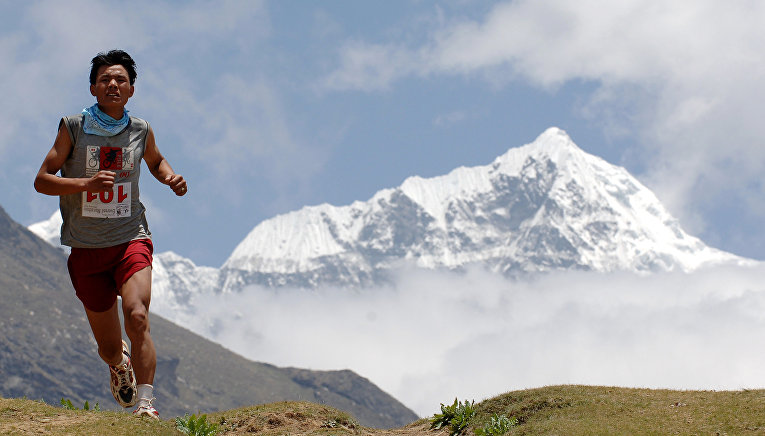 Марафон на высоте 4500 метров на Эвересте