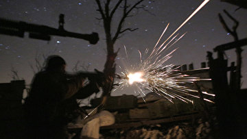 Украинские военнослужащие во время боев с пророссийскими сепаратистами в Авдеевке, Донецкая область