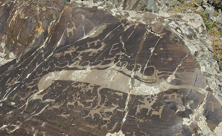 Один из петроглифов Цаган-Сала в Монголии