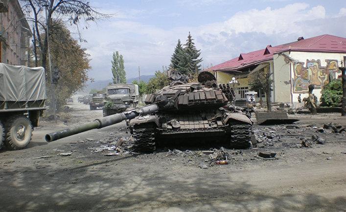 Боевая техника в городе Цхинвали, 2008 год