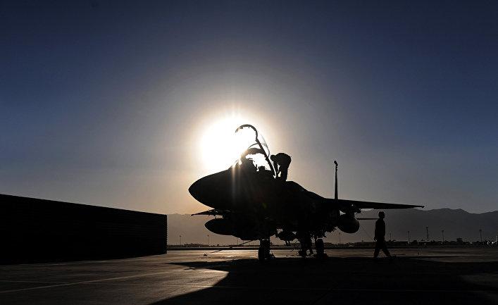 Истребитель ВВС США F-15 на авиабазе Баграм