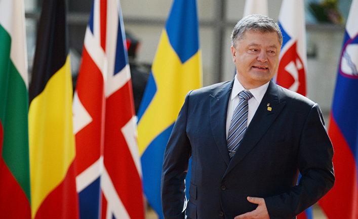 Президент Украины Петр Порошенко во время встречи с председателем Европейского совета Дональдом Туском в Брюсселе. 22 июня 2017