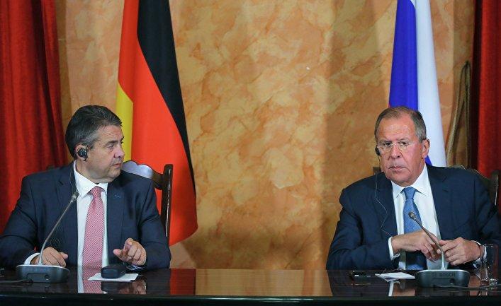 Министр иностранных дел РФ Сергей Лавров и министр иностранных дел Германии Зигмар Габриэль на пресс-конференции в Краснодаре. 28 июня 2017