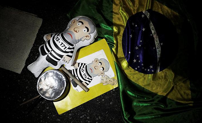 Надувная кукла с изображением экс-президента Бразилии Лулы да Силвы в Сан-Паулу