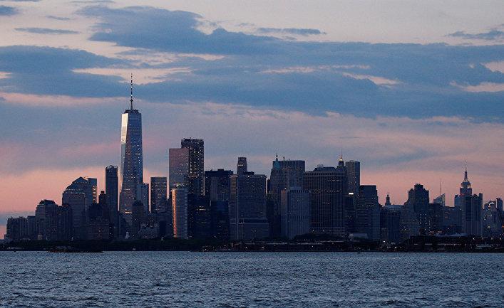 Вид на Манхэттен из района Бруклин в Нью-Йорке