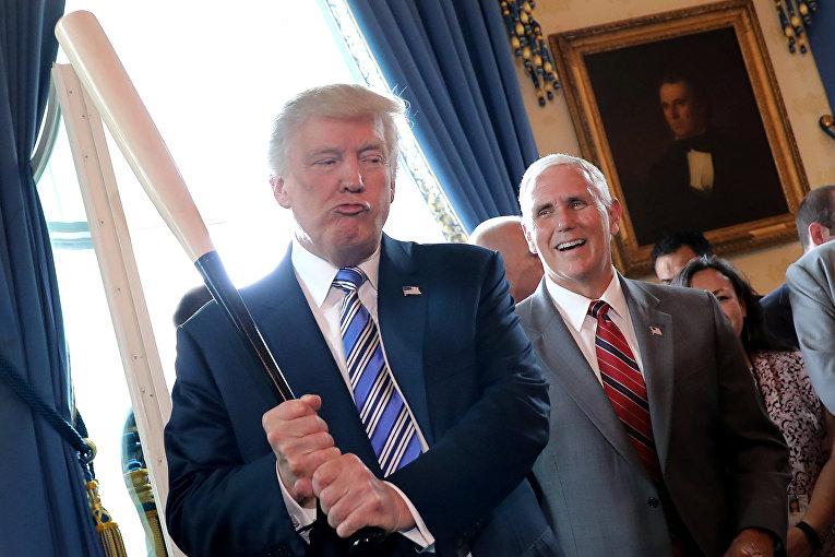 Президент США Дональд Трамп и вице-президент Майк Пенс на выставке «Сделано в Америке»