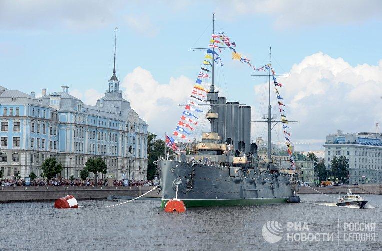 Празднование Дня Военно-Морского флота в Санкт-Петербурге