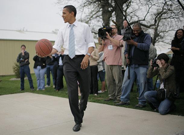 Барак Обама увлекается баскетболом с детства