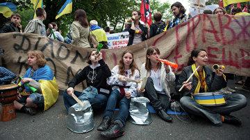 """Акция """"Защити украинский язык"""" в Киеве"""