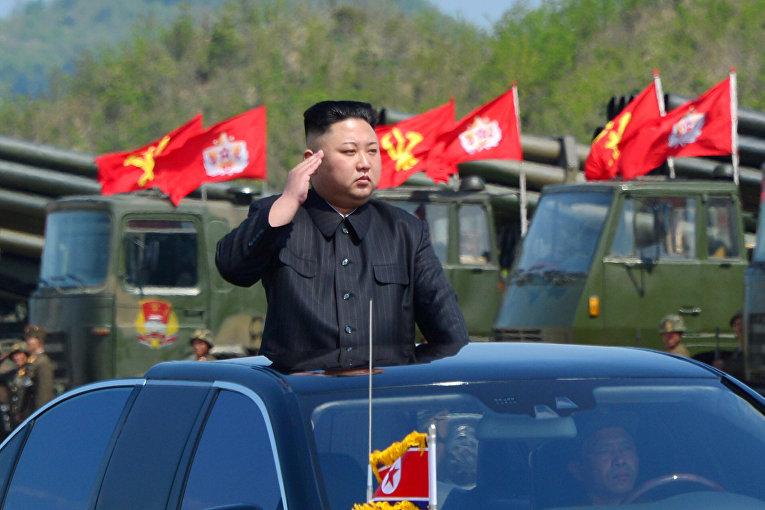 Северокорейский ледир Ким Чен Ын на параде в честь 85-летия создания корейской народной армии