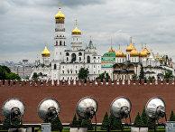 Вид на Благовещенский собор и Колокольню Ивана Великого в Москве
