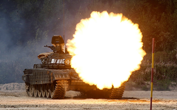 Танк Т-72Б1 участвует в армейских международных играх 2017 года на Андреевском военном полигоне