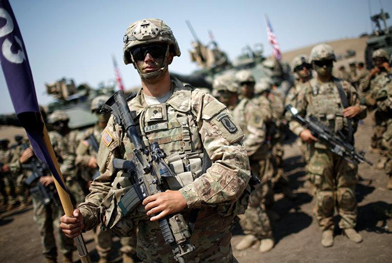 Американские военнослужащие на церемонии закрытия учений НАТО Noble Partner