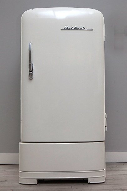 Холодильник «ЗиЛ Москва» на выставке «Работа и игра за железным занавесом»