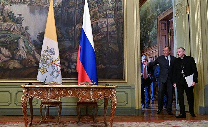 Сергей Лавров и государственный секретарь Ватикана Пьетро Паролин во время встречи в Москве. 22 августа 2017
