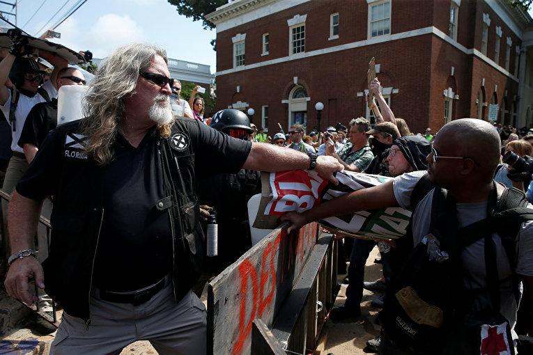 Акции протеста в Шарлоттсвилле, штат Виргиния