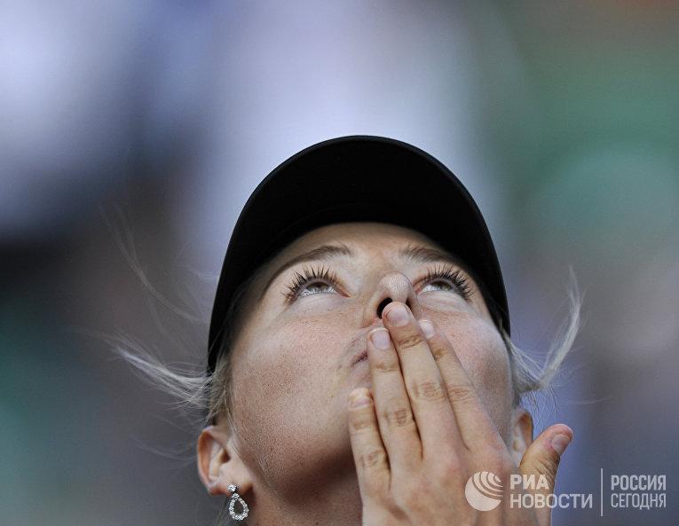 Россиянка Мария Шарапова после победы в полуфинальном матче Открытого чемпионата Франции по теннису среди женщин против чешки Петры Квитовой