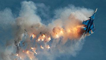 Истребитель Су-30СМ из пилотажной группы «Русские Витязи»
