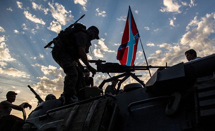 Бойцы ополчения Донбасса в городе Снежное