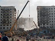 Разбор завалов на месте террористического акта на улице Гурьянова