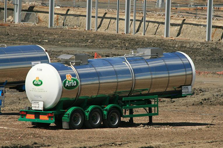Цистерна для перевозки продуктов Arla