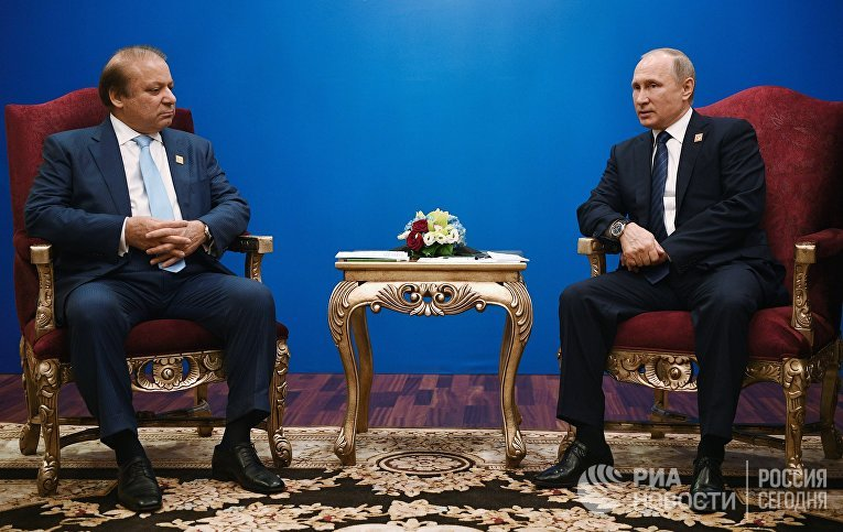 Президент РФ Владимир Путин и премьер-министр Пакистана Наваз Шариф