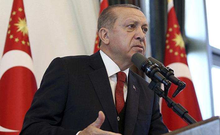 Президент Турции Реджеп Тайип Эрдоган выступает перед губернаторами в Анкаре. 2 октября 2017