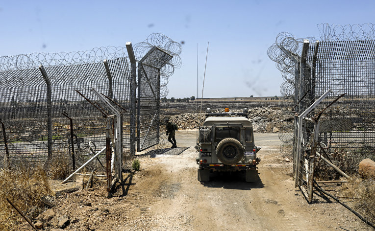 Израильские военные возле израильско-сирийской границы