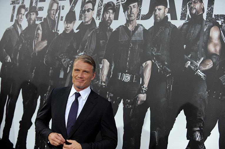 """Дольф Лундгрен на премьере фильма """"Неудержимые-2"""" в Лос-Анжелесе"""
