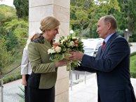 Президент РФ Владимир Путин и президент Республики Хорватия Колинда Грабар-Китарович во время встречи. 18 октября 2017