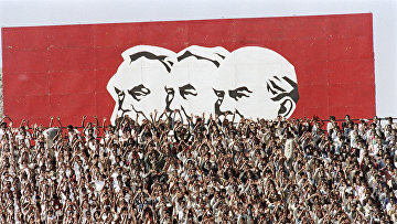 Ленин, Маркс и Энгельс в Аддис-Абебе в 13-ю годовщину Эфиопской революции в Аддис-Абеба