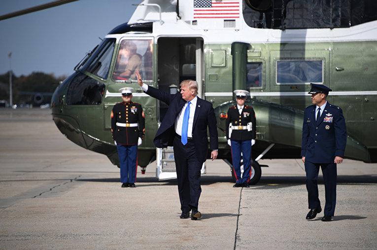 Президент США Дональд Трамп на объединённой базе Эндрюса Морской авиации США