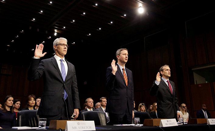 Юристы Колин Стретч из Facebook, Шон Эджетт из Twitter и Ричард Салгадо из Google