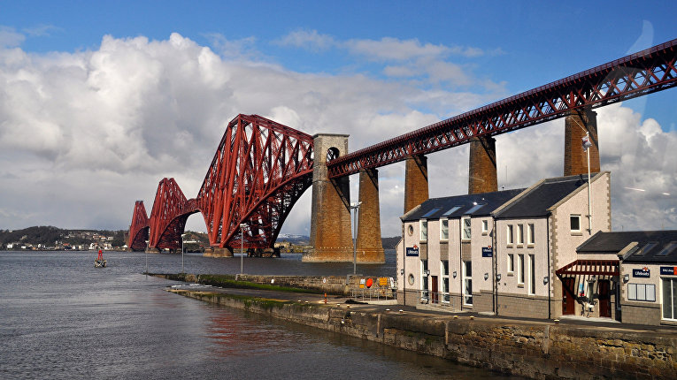 Мост Форт-Бридж в Великобритании
