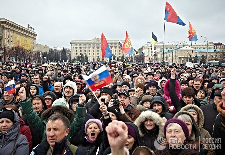 Митинг сторонников федерализации Украины в Харькове