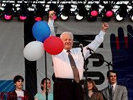 Б.Ельцин на митинге-концерте во время предвыборной поездки в Екатеринбург