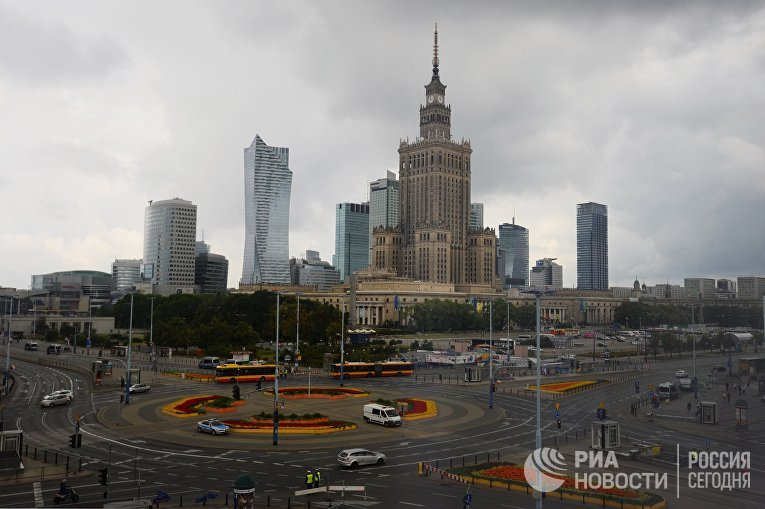Дворец культуры и науки на Парадной площади в Варшаве