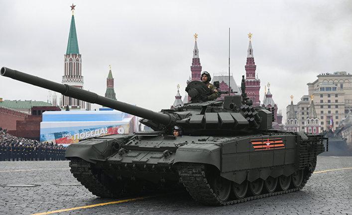 Танк Т-72Б3 на военном параде
