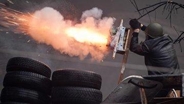 Столкновения оппозиции с полицией в центре Киева