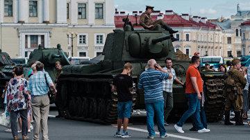 Выставка военной техники в Санкт-Петербурге