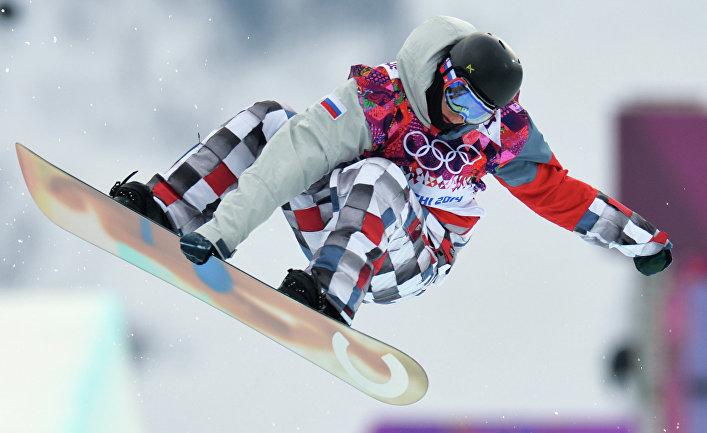 Никита Автанеев (Россия) в квалификации хафпайпа на соревнованиях по сноуборду