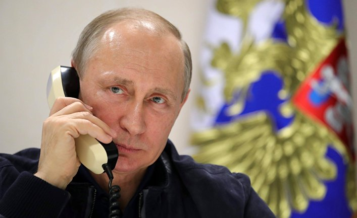 Президент РФ Владимир Путин во время телефонного разговора с президентом Турции Тайипом Эрдоганом. 23 июня 2017