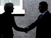 Премьер-министр Великобритании Тереза Мэй и премьер-министр Украины Владимир Гройсман