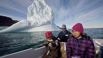 Семья гренландских инуитов