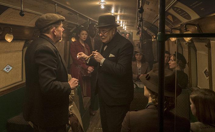 Кадр из фильма «Темные времена»