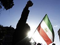 Участники демонстрации в поддержку правительства Ирана в Риме. 3 января 2017