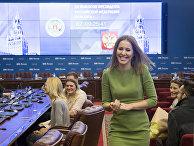 Телеведущая Ксения Собчак во время подачи документов в Центральную избирательную комиссию